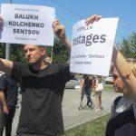Акція Фрі Сенцов під посольством РФ в Києві - фото 10