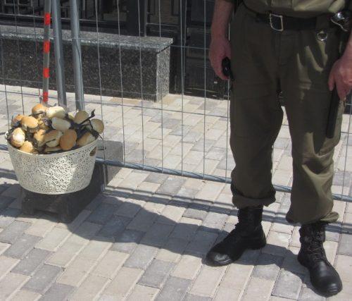 Акція Фрі Сенцов під посольством РФ в Києві - фото 22
